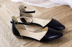 Sandały czarne na pasek w kostce pointed 38