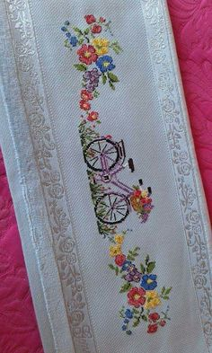This Pin was discovered by Sem 123 Cross Stitch, Cross Stitch Flowers, Cross Stitch Designs, Hand Embroidery Stitches, Cross Stitch Embroidery, Embroidery Designs, Linen Towels, Diy Clothes, Crafts To Make