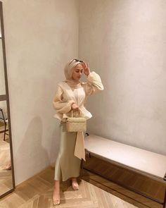 Modern Hijab Fashion, Street Hijab Fashion, Muslim Women Fashion, Hijab Fashion Inspiration, Modest Fashion, Hijab Fashionista, Casual Hijab Outfit, Hijab Chic, Hijab Dress