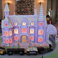 BeautifulNow is Beautiful Now   Edible Shelters: 10 Spectacular Gingerbread Houses