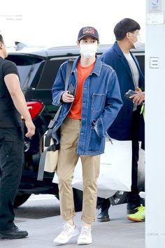 I like your style, yo Kpop Outfits, Korean Outfits, New Outfits, Cute Outfits, Airport Fashion Kpop, Kpop Fashion, Korean Fashion, Fashion Idol, Japan Fashion