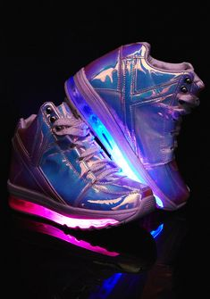 Y.R.U. Qozmo Aiire Atlantis Sneakers you make the night come alive, babe. These sikk af sneakers have a shiny holographic body with light up soles so you can keep it lit with every step you take.