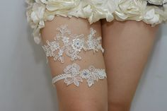 blue+flower+bridal+garter+wedding+garter+set+bride+by+annabrides