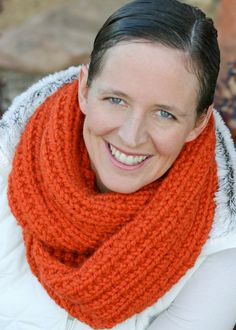 flax & twine   craft + diy: A Chunky Moebius Cowl - an easy chunky knit free pattern