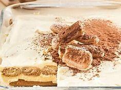 Irresistible tiramisu Tea Biscuits, Buttery Biscuits, Lemon Squares Recipe, Malva Pudding, Cinnamon Powder, Banana Slice, Condensed Milk, Street Food, Tiramisu