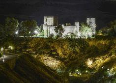 Iluminacion de algunos monumentos y la incorporación del Baño de la Cava