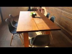 Como fazer uma mesa de madeira gastando pouco - YouTube Recycled Furniture, Verona, Conference Room, Recycling, Dining Table, Diy, Salvador, Home Decor, Youtube
