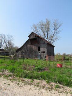 Missouri Barns  J' Larson