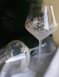 Hey, I found this really awesome Etsy listing at https://www.etsy.com/listing/202031619/crystal-set-of-2-hand-painted-wine