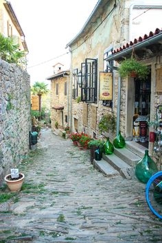 https://flic.kr/p/xi7Pj3 | Istria, Croatia 2015 | Hum, Istria, Croatia, Smallest Town in the World