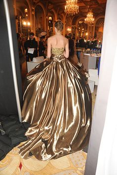 Backstage at Marchesa: Fall 2012