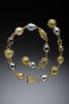 HUGHES-BOSCA | 18K GOLD JEWELRY |  Bracelets