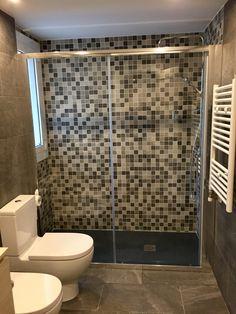 Cuarto de baño Living Spaces, Barcelona, Bathtub, Mirror, Bathroom, Frame, Furniture, Home Decor, Nail Decorations