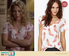 Carrie's red stiletto print tee on The Carrie Diaries. Outfit Details: http://wornontv.net/26765 #TheCarrieDiaries #fashion