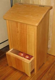 Woodworking Corner - Free Woodworking Plans I would use this for my dogs, food and the drawer for their doggy treats.