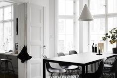 Black + White Living Room   #liveminiml