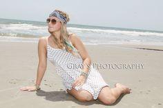 Senior girl beach pic pose idea