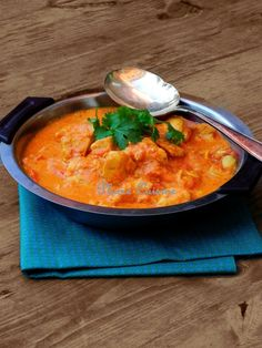 """My version of the Korma chicken . If I tell you """"Korma chicken"""", I'm sure that you will . Korma, Biryani, Indian Food Recipes, Ethnic Recipes, Exotic Food, Indian Dishes, Kitchen Art, Thai Red Curry, Snacks"""
