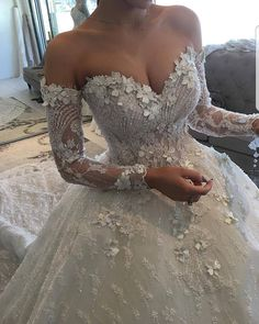 USA Replications of Wedding Dresses - Inspired Designer Evening Gowns - Designer Dresses Couture Weeding Dress, Dream Wedding Dresses, Bridal Dresses, Wedding Gowns, Bridal Gown, Wedding Bride, Lace Wedding, Designer Evening Gowns, Designer Dresses