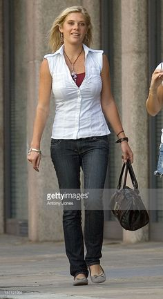 Chelsy Davy Shopping In The Kings Road London..