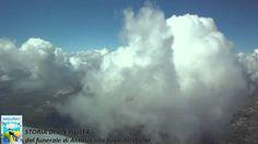 Vista dal cockpit: un'emozionante volo tra le nubi