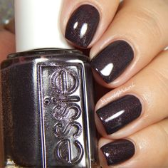 Essie Frock n' Roll nail