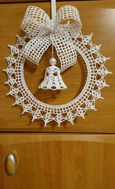 Crochet Christmas Decorations, Crochet Decoration, Crochet Christmas Ornaments, Christmas Crochet Patterns, Crochet Snowflakes, Christmas Crafts, Scrap Yarn Crochet, Crochet Art, Crochet Crafts