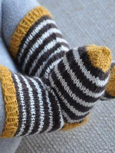 Haluisin niin neuloa tälläset, ihanat! :P