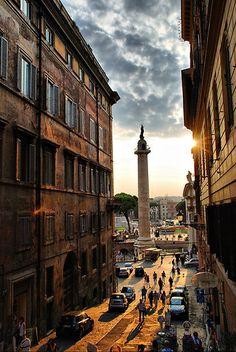 Colonna Traiana (Trajan's Column), Rome, Italy