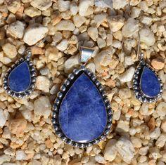 Prachtige lapis lazuli set (oorbellen en hanger) € 44,95 Gratis verzending in Nederland http://www.dczilverjuwelier.nl/edelstenen-sieraden/edelstenen-sieraden-sets/12435