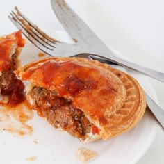 Classic Aussie Thermomix Beef Pies made from beef mince and cooked in a pie maker (or oven). A simple freezer-friendly snack perfect for lunch or dinner! Beef Pies, Mince Pies, Breville Pie Maker, Beef And Mushroom Pie, Meat Recipes, Cooking Recipes, Butter Chicken, Food To Make, Easy Meals