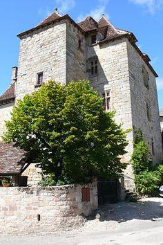 Curemonte (Corrèze) - Château de la Johannie - du XIème au XVème