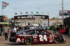 Jeff Gordon finished 2nd in Texas, 1st in overall points standing