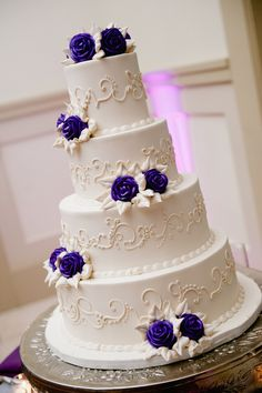 White Cake Adorned With Purple Sugar Flowers|{Purple & Silver} Autumn Wedding|Photographer:  Off BEET Productions