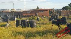Partida entre trincheras en Paintball Talavera.