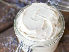 Bodylotion selber machen: Bienenwachs, Kakaobutter, Sheabutter, Abokadoöl, Karottensamenöl, Sandalöl, Myrrheöl