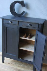1000 images about meubles chaussures on pinterest shoe storage armoires and vintage. Black Bedroom Furniture Sets. Home Design Ideas