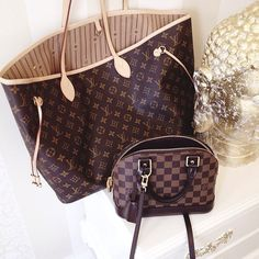 Fashion Designers Louis Vuitton Outlet Let The Fashion Dream With LV Handbags At A Discount! New Ideas For This Winter Inspire You, Time To Shop For Gifts, Louis Vuitton Bag Is Always The Best Choice, Get The Style You Love From Here. New Louis Vuitton Handbags, New Handbags, Handbags Online, Vuitton Bag, Purses And Handbags, Louis Vuitton Monogram, Fashion Handbags, Fashion Bags, Fashion Site
