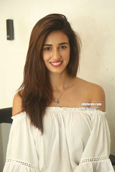 20 Best wallpapers of Disha Patani Indian Bollywood, Bollywood Stars, Bollywood Fashion, Indian Celebrities, Bollywood Celebrities, Bollywood Actress, Hot Actresses, Beautiful Actresses, Indian Actresses
