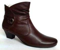 Made with finest quality of sheep, this burgundy coloured boot is as comfortable as it is stylish.