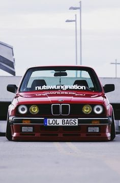 BMW E30 3 series red slammed lol bags Mehr