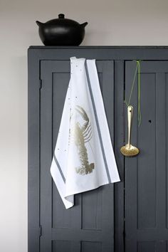 Tea Towel Homard Or by La Cerise sur le Gateau