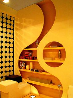 Cool Bookcase Wall Design!!