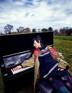 Vogue Japan, Fashion Photography, Backpacks, Bags, Handbags, Backpack, High Fashion Photography, Backpacker, Bag