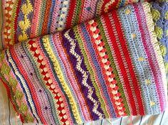 Ravelry: Jotown19's As-we-go-stripey blanket CAL