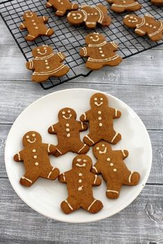 Eggless gingerbread men cookies recipe - a must have cookie recipe for holiday cookie platter. This can be your edible tree ornament. Eggless Cookie Recipes, Eggless Desserts, Ginger Bread Cookies Recipe, Eggless Baking, Delicious Desserts, Dessert Recipes, Best Holiday Cookies, Holiday Cookie Recipes, Christmas Cookies
