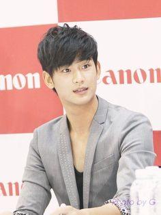 Canon fansign #KimSooHyun #김수현