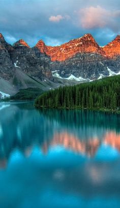 This is what we call as Photography !!! (10 Stunning Pics) - Part 1, Moraine Lake, Canada.