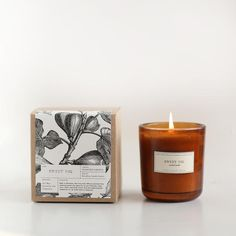 Nice subtle smell for Spring Sweet Fig Amber Glass Candle – Brooklyn Candle Studio Candle Branding, Candle Packaging, Candle Labels, Glass Candle, Candle Jars, Apothecary Candles, Candle Box, Soy Candles, Scented Candles
