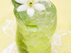 Aloe Vera-Apfelsaft ist ein Rezept mit frischen Zutaten aus der Kategorie None. Probieren Sie dieses und weitere Rezepte von EAT SMARTER!